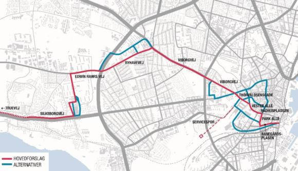 Med den skitserede rute vil turen fra Brabrand til midtbyen tage cirka 22 minutter – eller længere end det nu tager med bus. De blå streger er de nye alternative ruteforslag. (Kort: Teknik og Miljø).