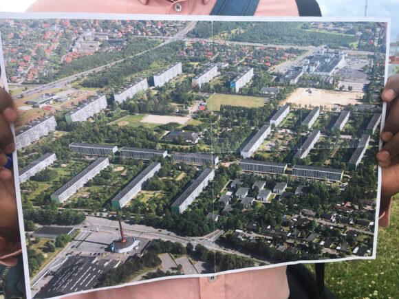 Gellerupparken afleverede et foto af hele afdelingen anno 2011 - med alle 23 originale blokke på.