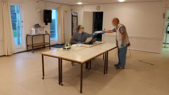 Formand for Brabrand Boligforening og beboer i Holmstrup stemmer i urafstemningen.