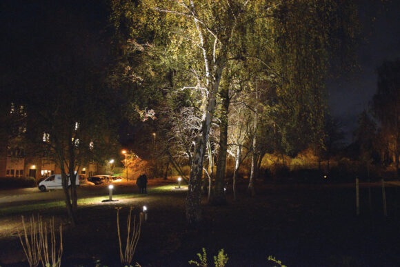 Forsiden:  Belysning indviet i Vaskerihaven i Søvangen  Foto Lars Christensen