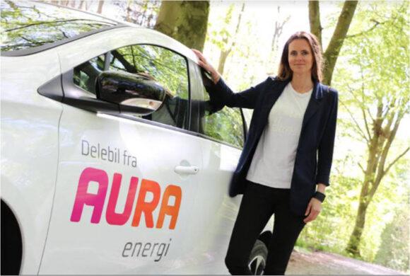 AURAs delebiler er en succes i Aarhus. De er i dag opstillet i midtbyen, i boligområder og i flere almene boligforeninger, siger Louise Frøstrup Christensen, forretningschef for AURA E-Mobility (pressefoto).