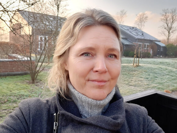 Tania Andersen glæder sig til det alsidige kommunikationsarbejde som nyansat hos Brabrand Boligforening fra 1. marts