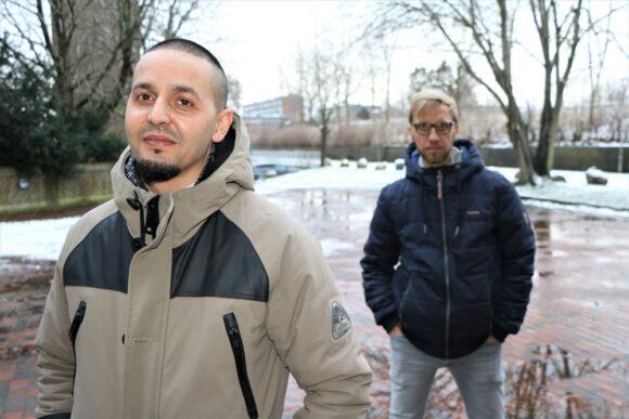 """Chadi Alderbas (tv) og Martin Hornstrup har sammen lavet sangen """"Åbn din gyldne port""""."""